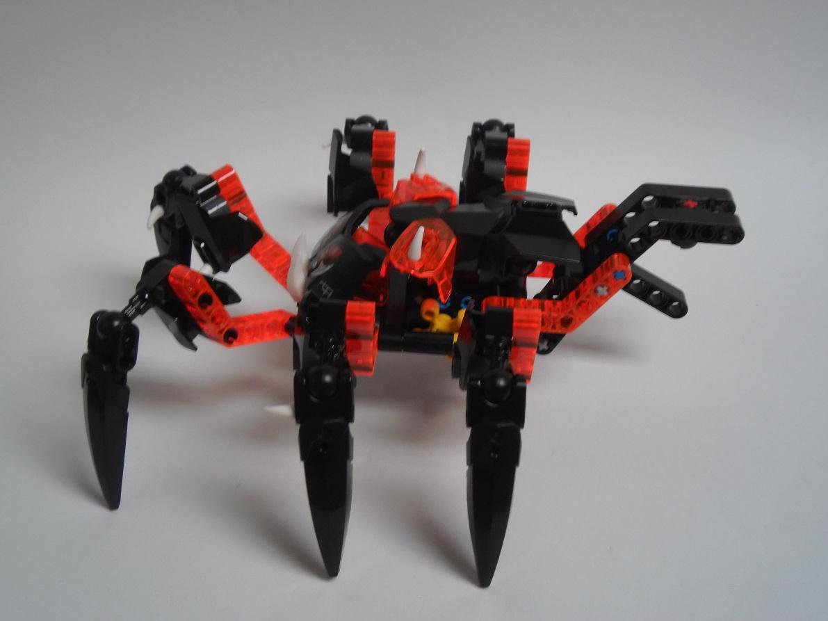 [Revue] LEGO Bionicle 70790 : le Seigneur des Araignées Squelette Pb200084