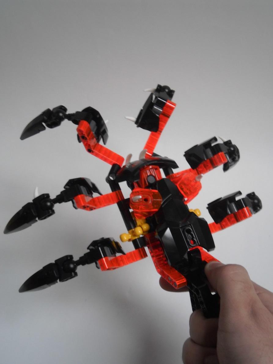 [Revue] LEGO Bionicle 70790 : le Seigneur des Araignées Squelette Pb200101