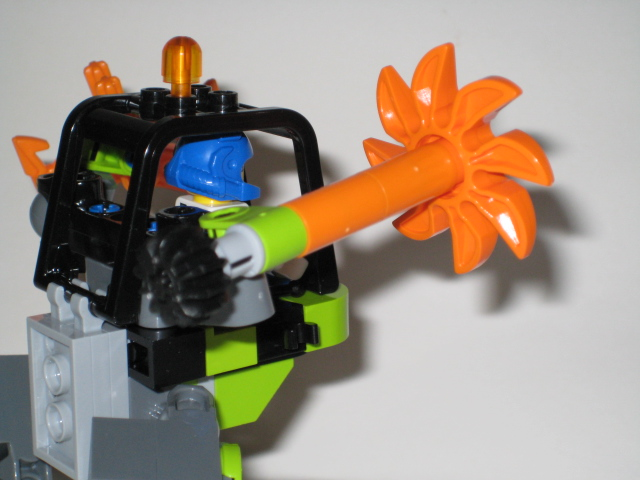 Review: 8957 Mine Mech Picture_023