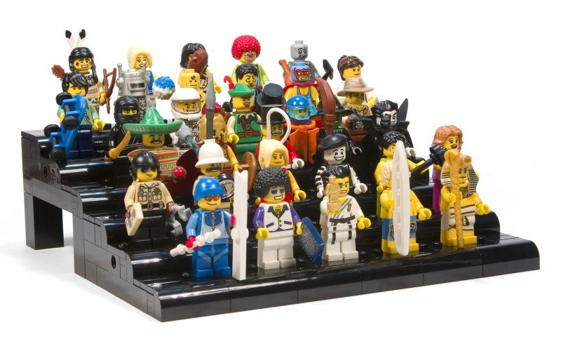 Custom build lego minifigure display case in Toys t