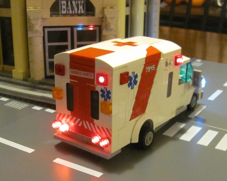 ambulance_14b.jpg