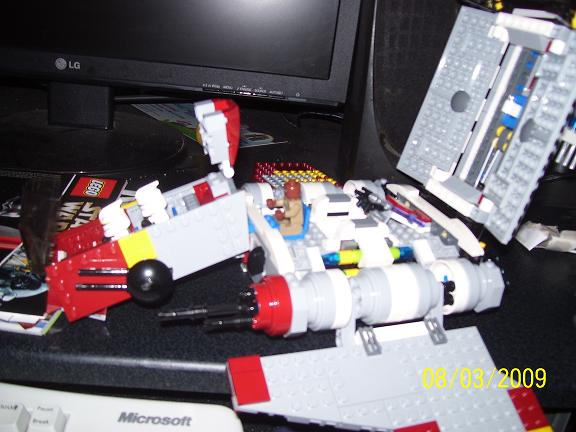 Review on set 8019 Republic attack shuttle 100_0967