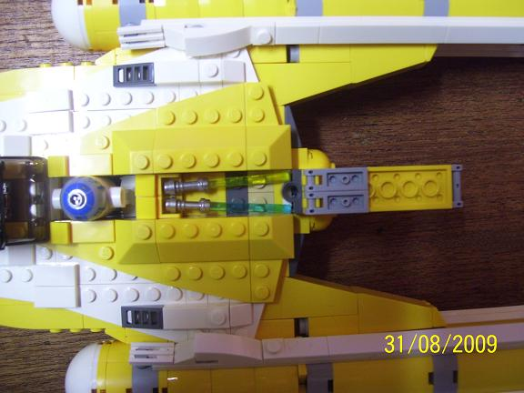 Review on set 8037 Anakin's y-wing. 100_1200