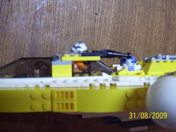Review on set 8037 Anakin's y-wing. 100_1205