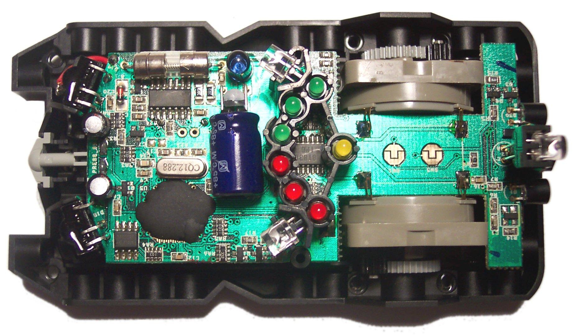 Для захвата управления роботом от ручки в этом режиме и в режиме миссии (включение миссии - серая кнопка на корпусе...