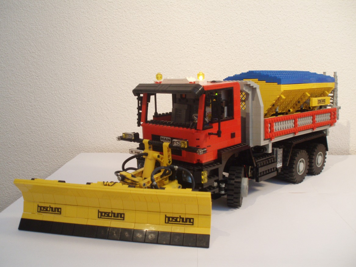 man_snowplow_001k.jpg