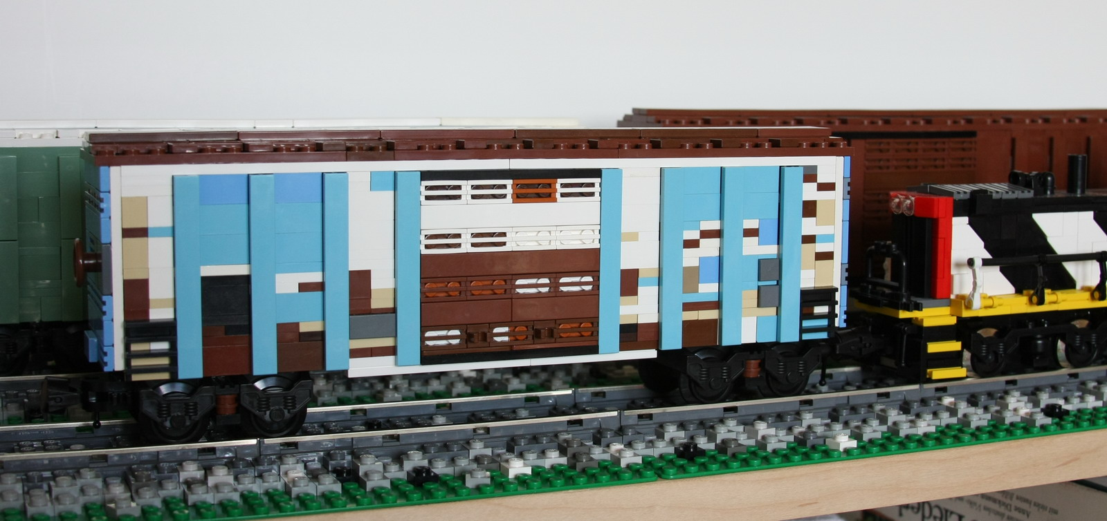 weathered_blue_boxcar2.jpg