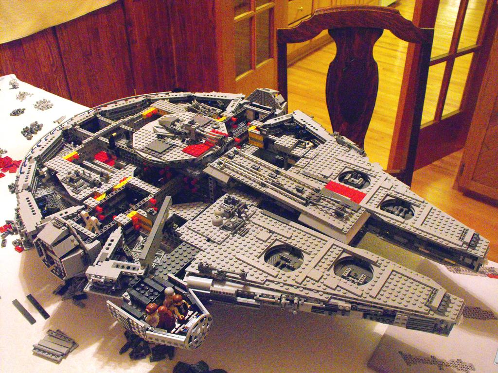 fbtbforums net view topic 10179 ucs millennium falcon review Death Star LEGO Friends Death Star LEGO Friends