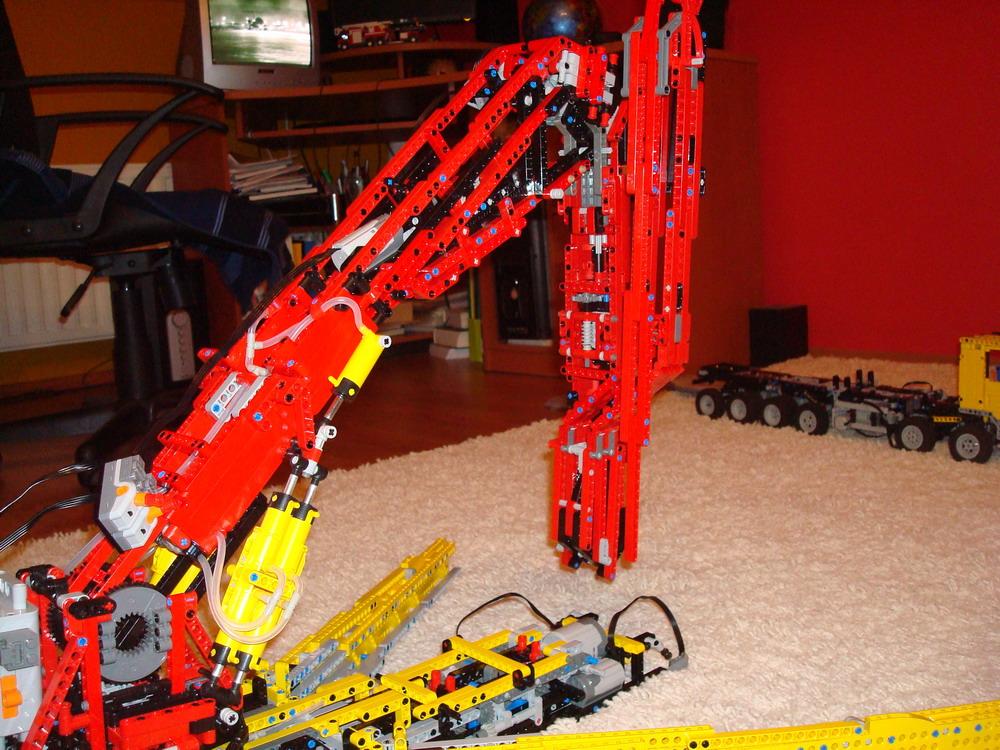 lego technic mercedes actros 12x6x8 behemoth lego. Black Bedroom Furniture Sets. Home Design Ideas