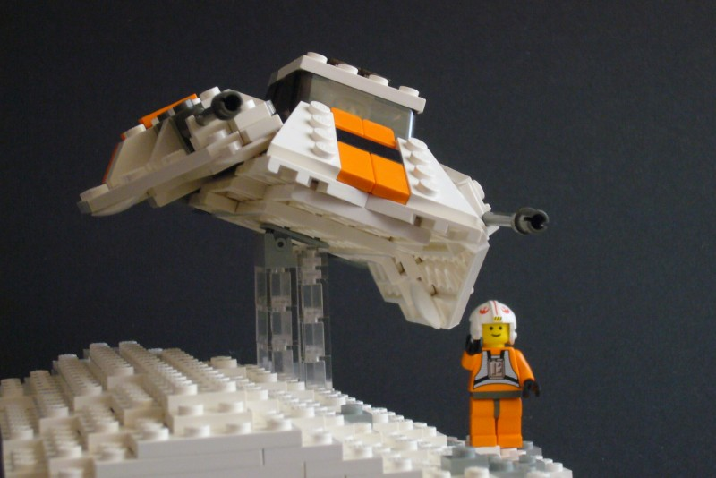 snow-speeder_t-brick_05.jpg