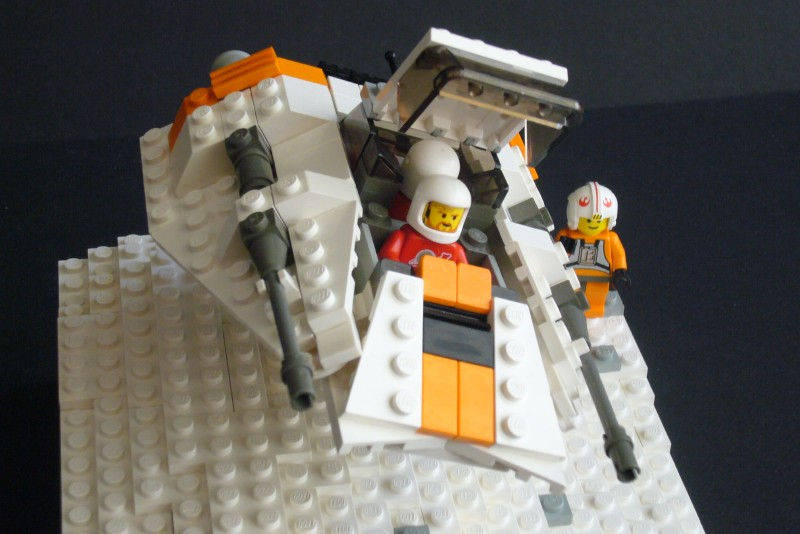 snow-speeder_t-brick_09.jpg