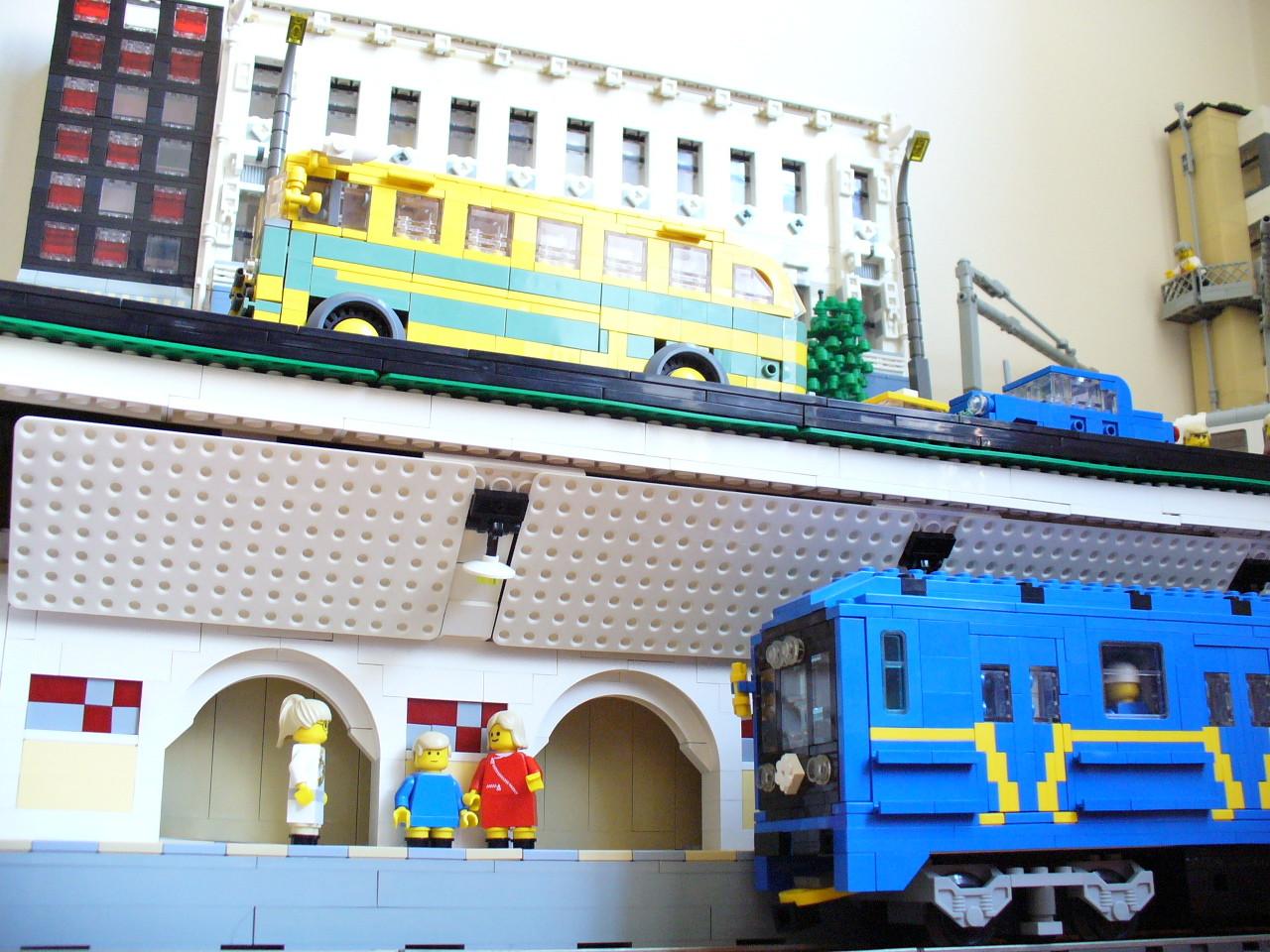[Image: metro2.jpg]