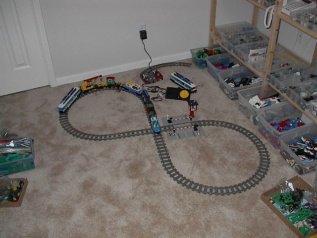 massive_train_layout.jpg