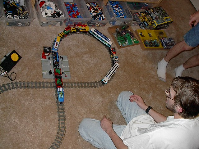 massive_train_layout2.jpg