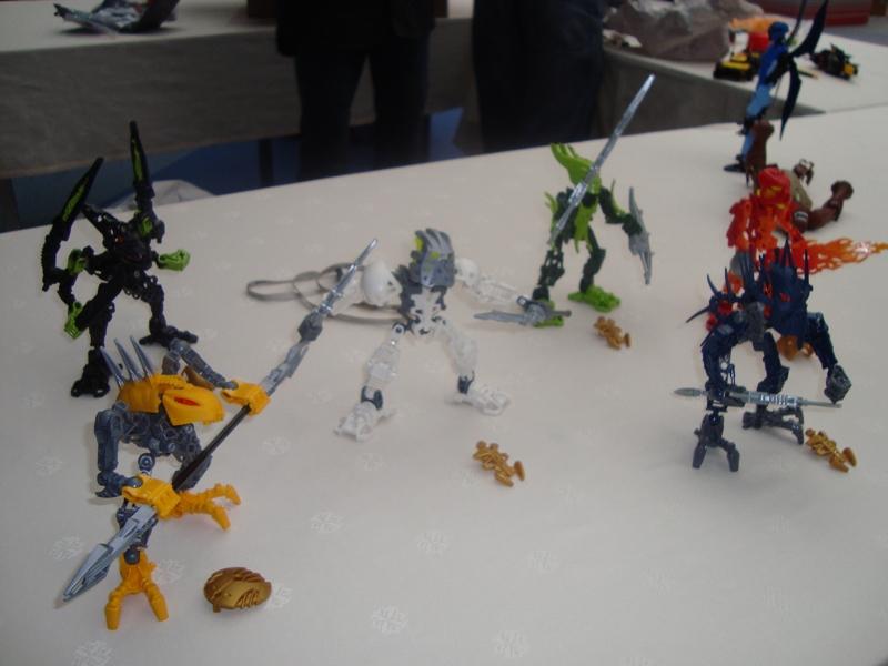 http://www.brickshelf.com/gallery/toazain/BionicleStars/3937789490_c9070f203d_o.jpg