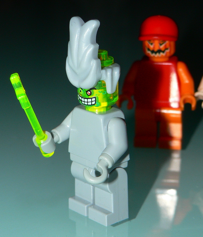 chimical-minifig-3.jpg