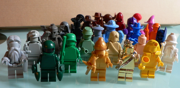 colors_minifigs.jpg