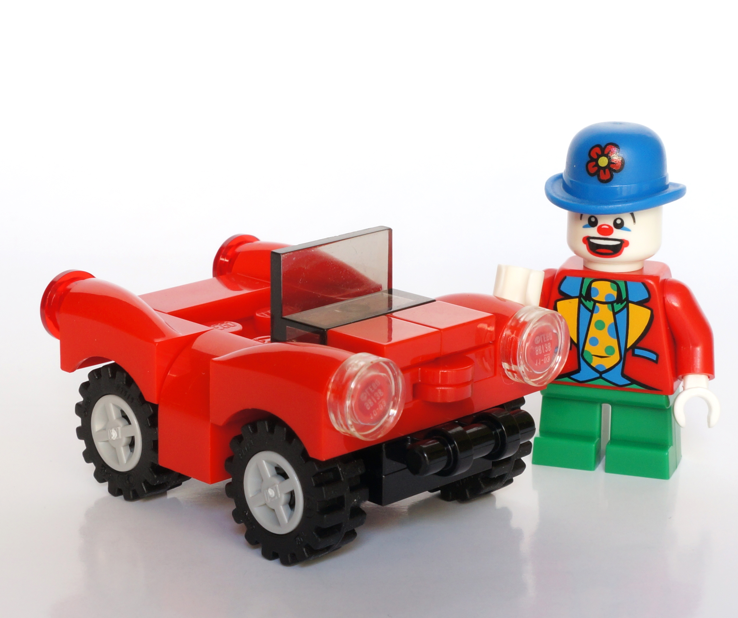 mini_clown_-mini_car.jpg