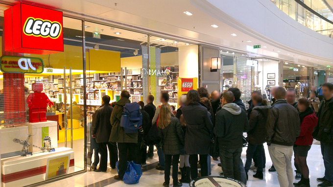 grand_openning_france_lego_store-5.jpg