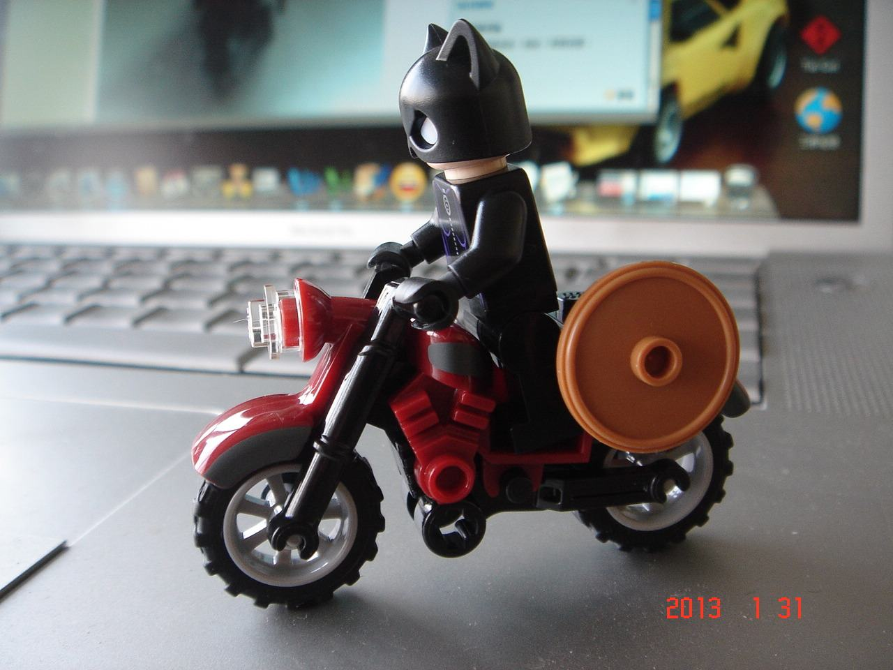 catwoman_ucc-office_0131001.jpg