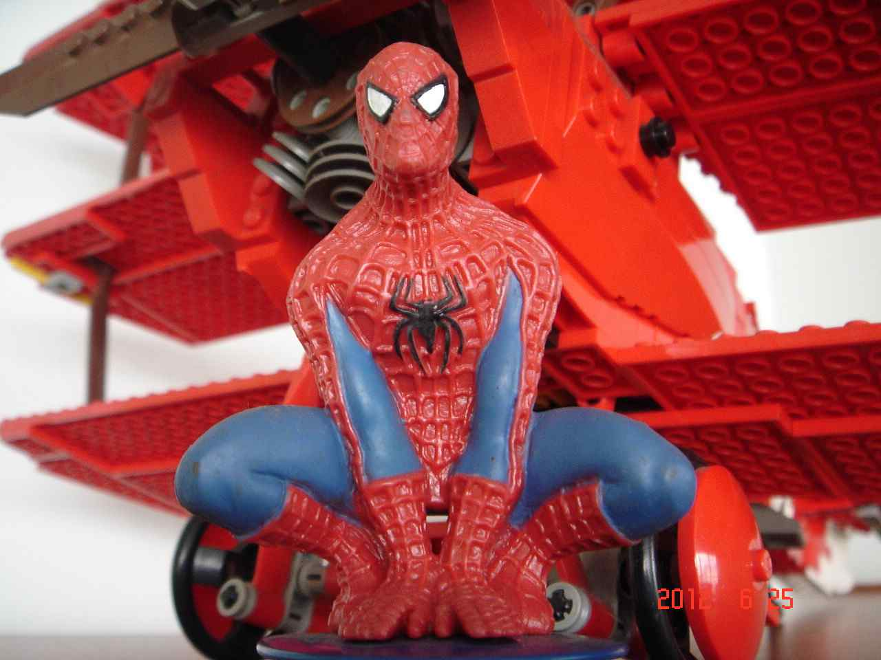 lego_spiderman_ucc-office_0625001.jpg