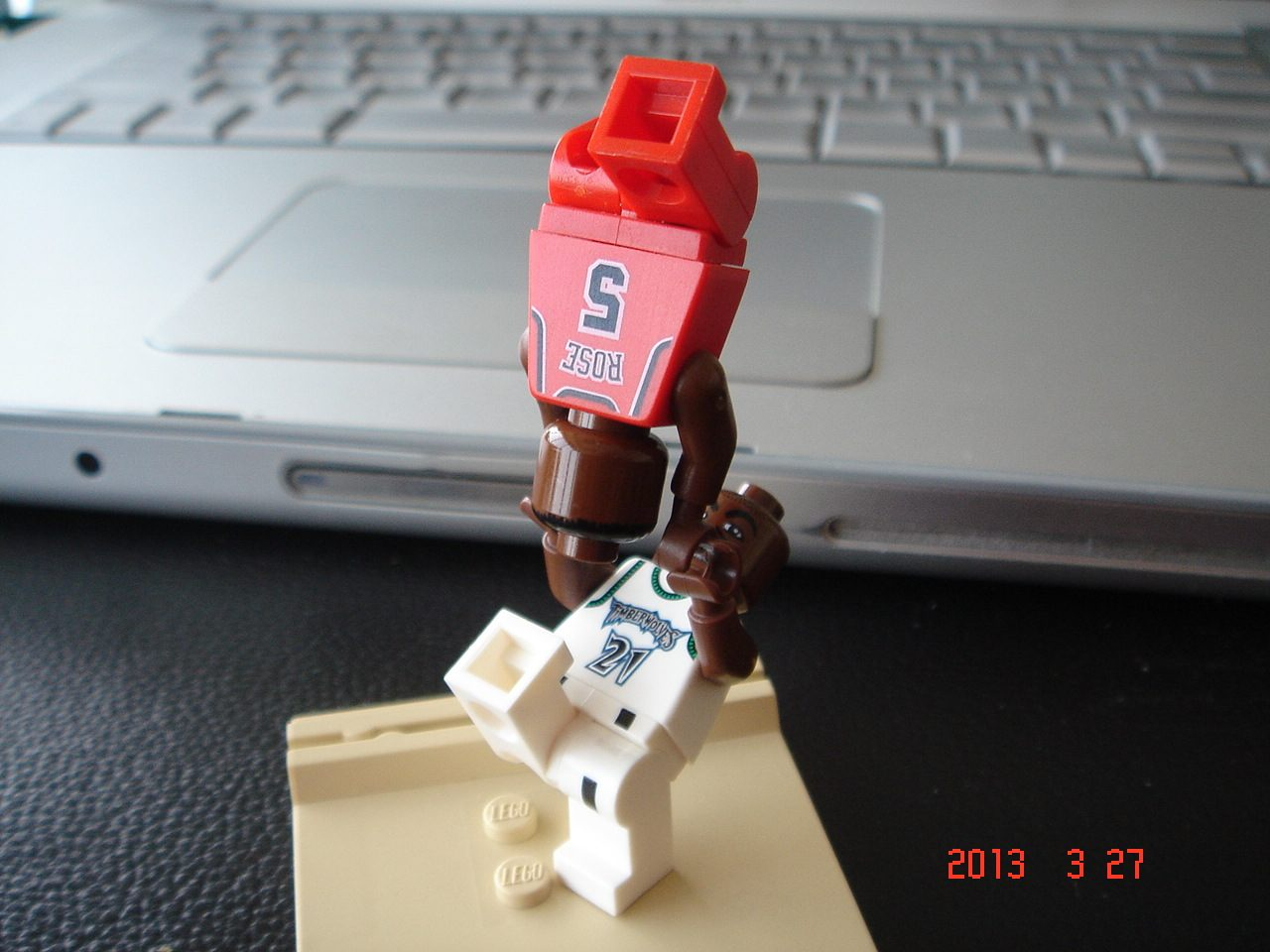 lego_nba-ucc-office_0327005.jpg