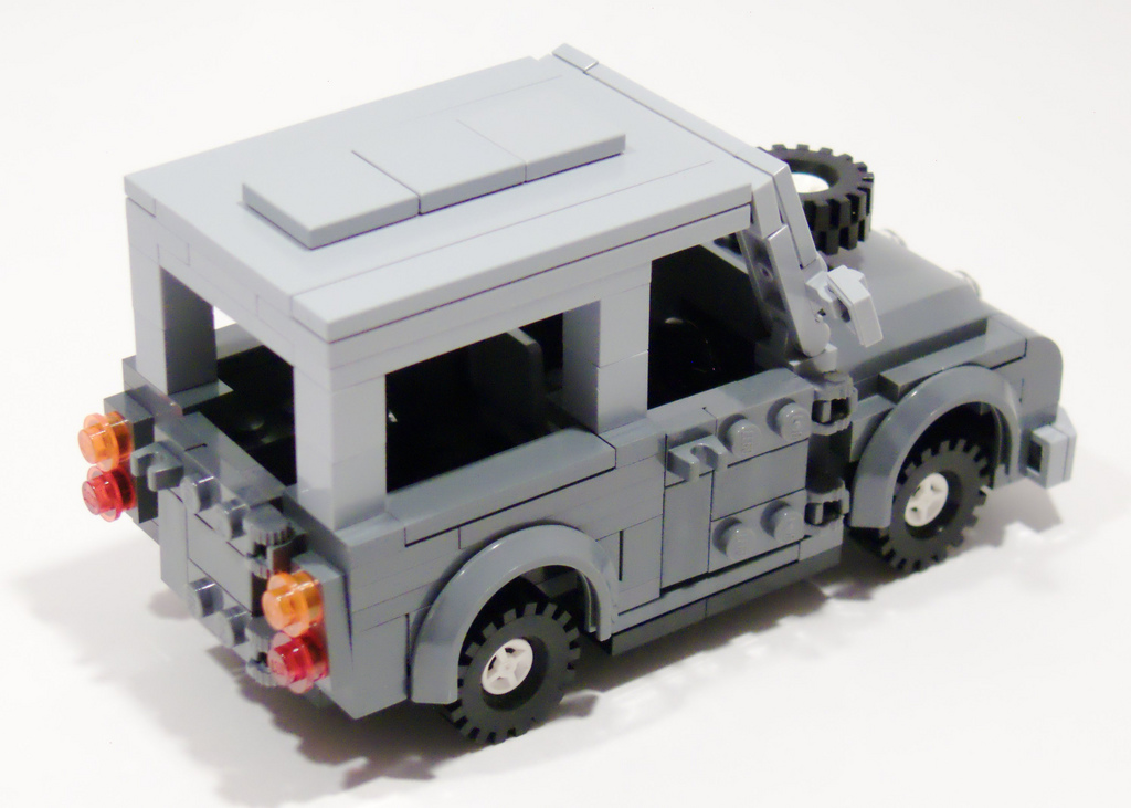 2_land_rover_top_right_rear.jpg