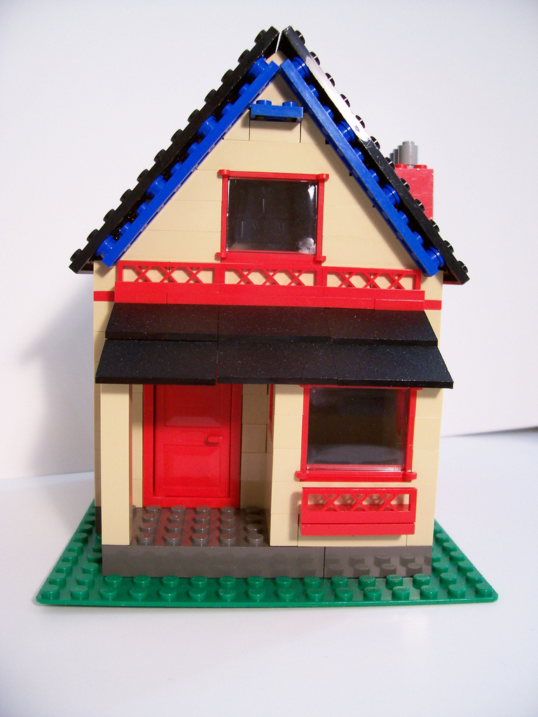05_steep_roof_house.jpg