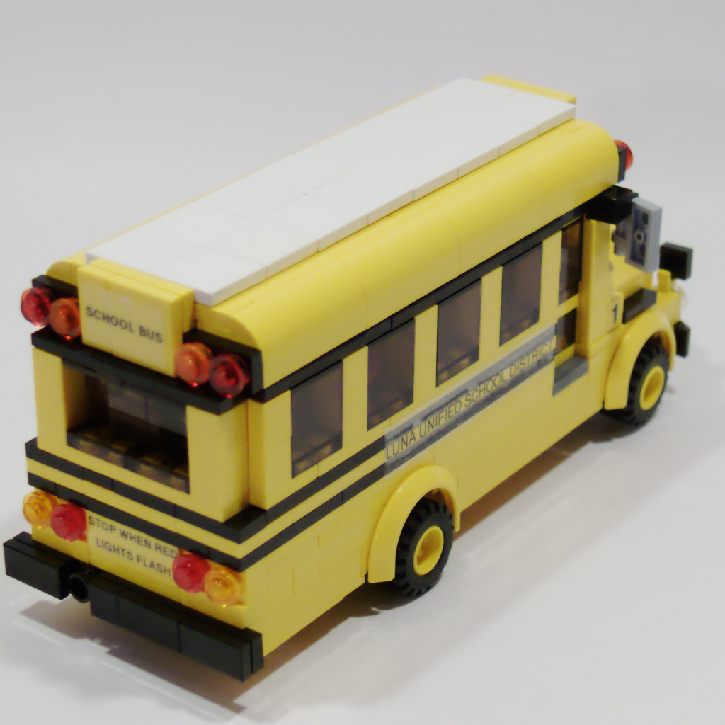1_wheeled_school_bus_right_rear.jpg