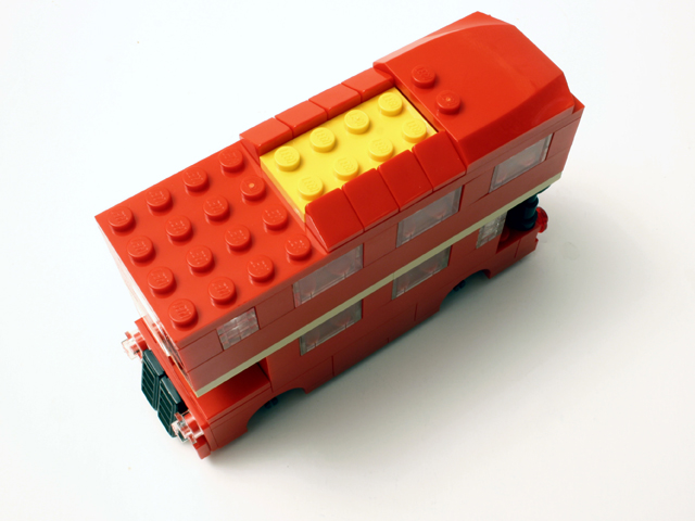 bus_build5_640.jpg