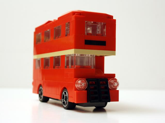 bus_viewfrontoblique_640.jpg