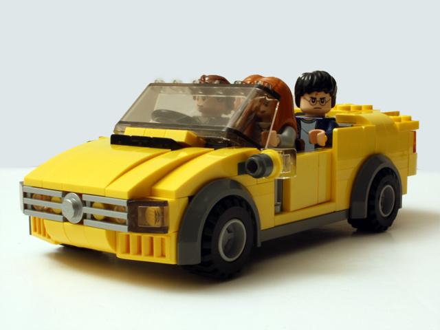 yellowcar_frontoblique_640.jpg