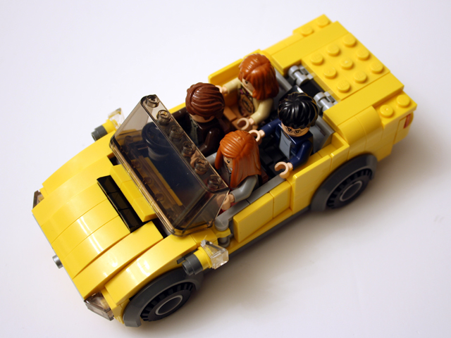 yellowcar_high_640.jpg
