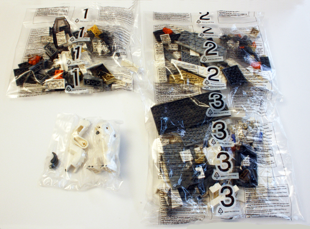 8089_contents_bags_640.jpg
