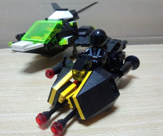03blacktron-bike.jpg