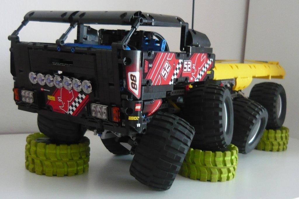 Technic Delicatessen: Lego RC tatra 8X8 By Zblj