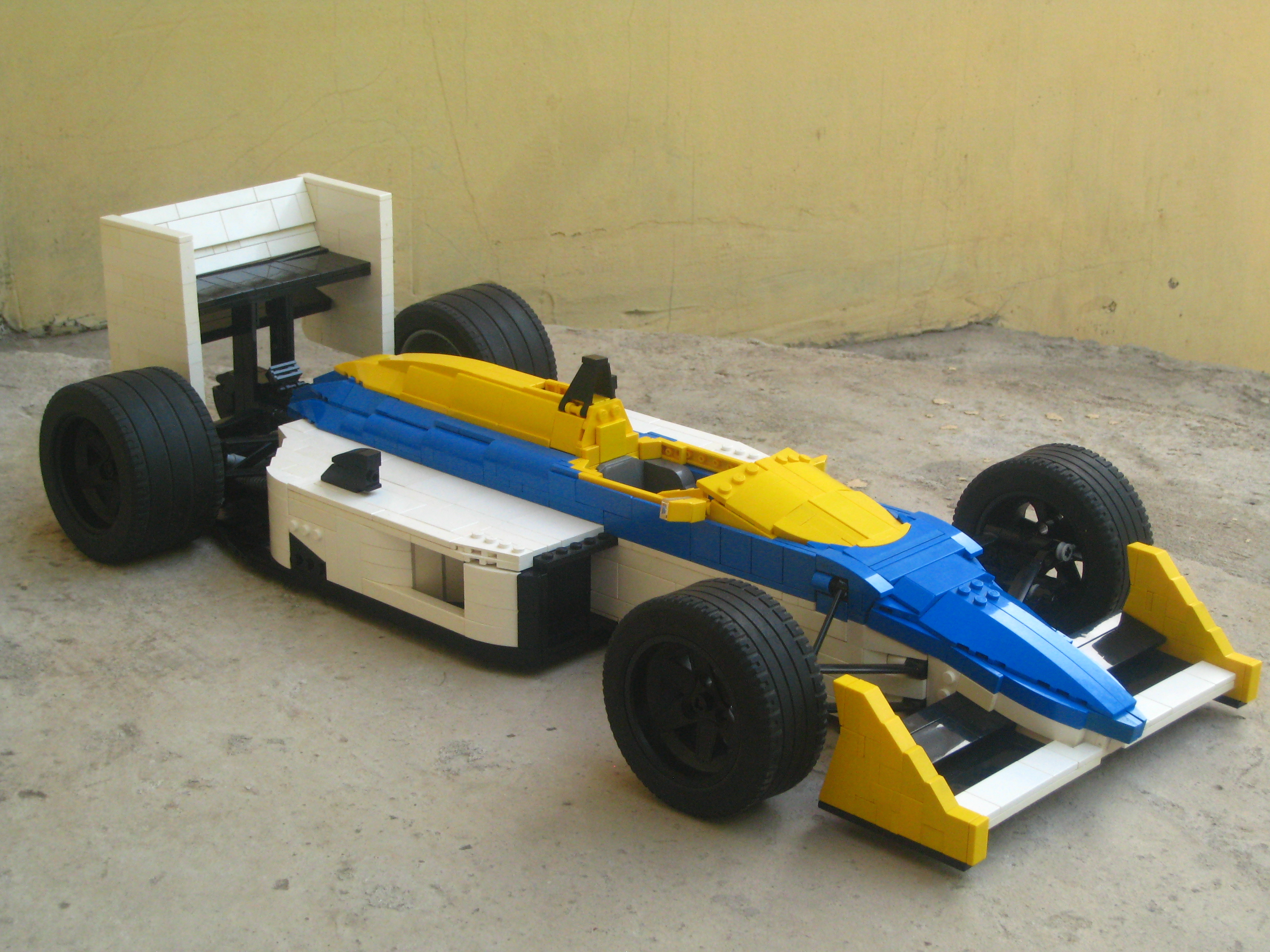 williams-fw11_01.jpg