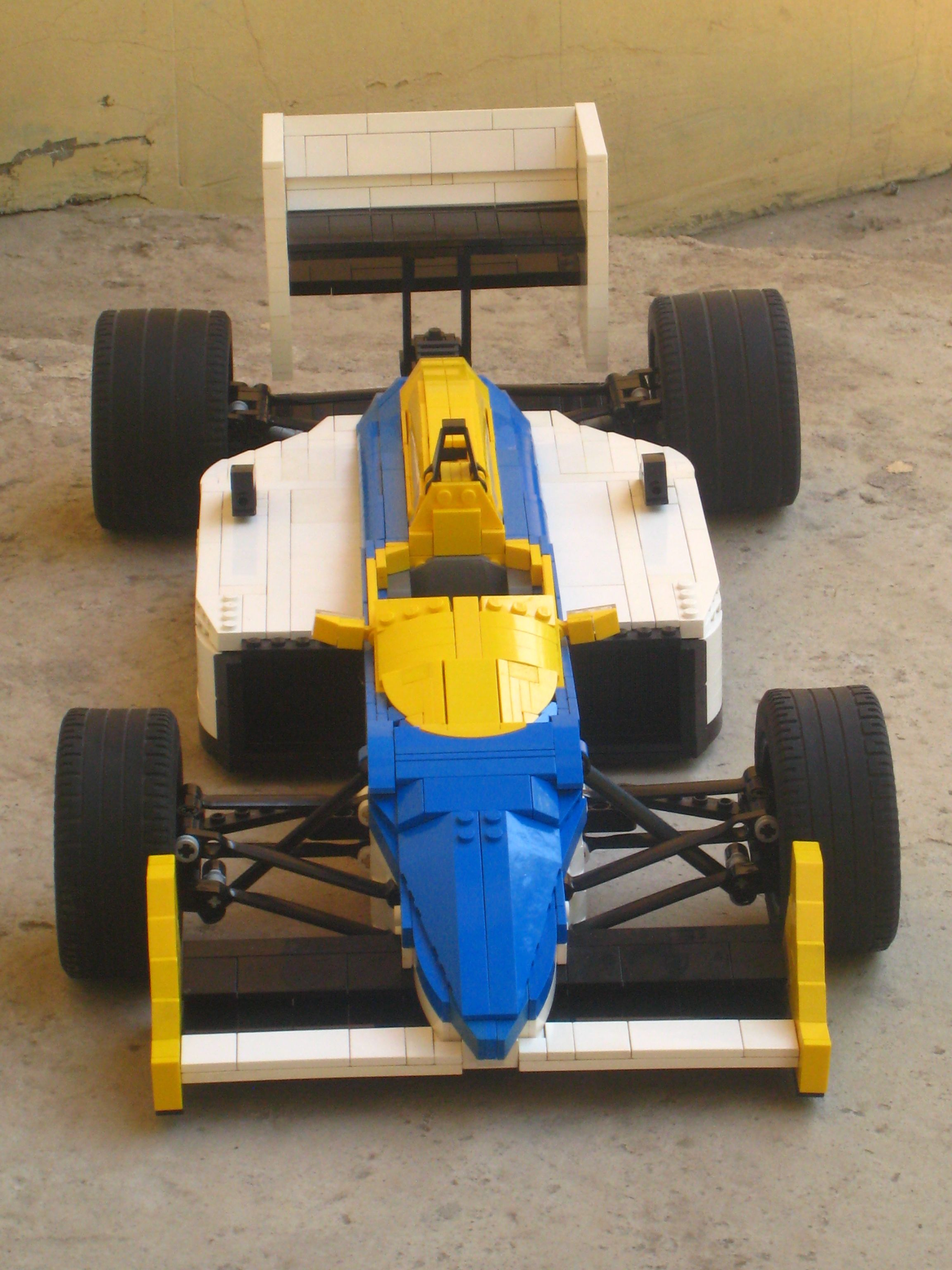 williams-fw11_10.jpg